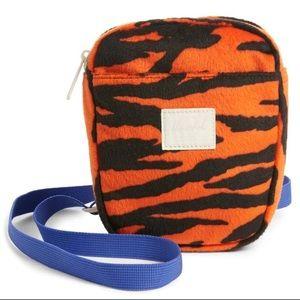 HERSCHEL Cruz Crossbody Bag in Tiger Print